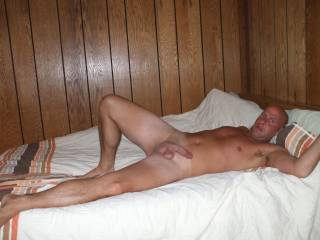 or do you ladies like to fuck on the bed ?wanna join me?