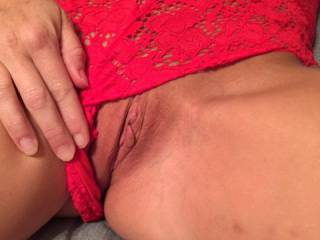 Pussy peek. Anyone wanna lick?