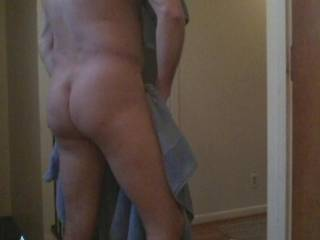 Just out of the shower, want to help me dry off ?