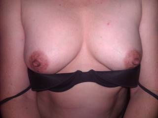 Wife flashing those pretty tits for me. Hope you enjoy as much as I do.