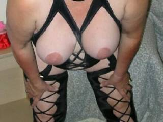 what bbw fan or mature fan doesn't love hangers ?