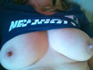 For all you Pats lovers, and Mrs ikpm breasts fans as well....no deflategate here...lol