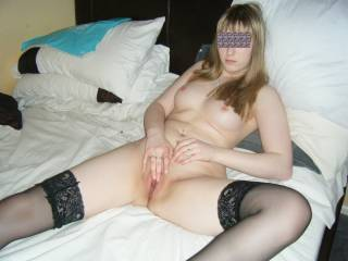 Any Bi Or Lesbian Women PM Me  If You Like What You See PM Me, PM Me Your Pic And Vid Requests xx