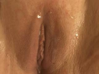 I like it when they cum on my pussy anyone want to cum on my pussy
