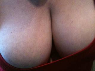 who would like to fuck the mrs tits