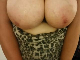 Love having cum all over my big tits ♡