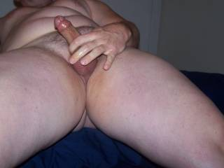 Who wants to suck my penis. I would love to take a guys hard dick in my mouth. I\'m fascinated by semen and cumshots.