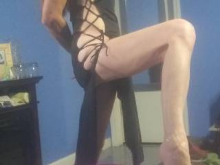 showing off more legs . trying to attract some big cocks for some fun