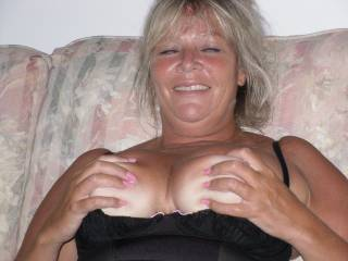 Who wants to play with my tits
